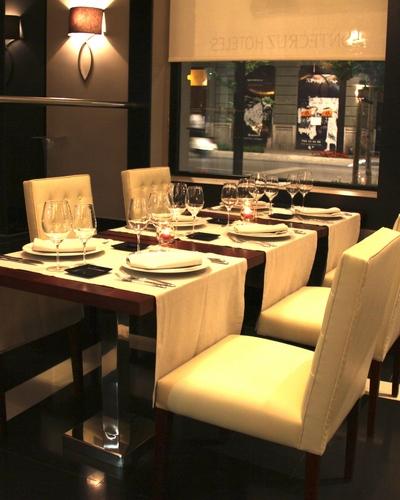 Inauguración del Restaurante Morrison's Bar en Granada, España