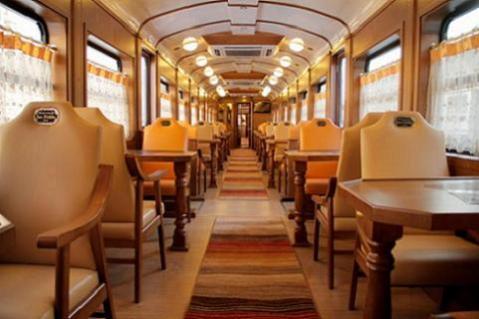 El Expreso de la Robla, nuevo tren turístico por el Cantábrico