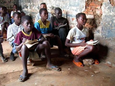 Agencias de viajes permiten donaciones para salvar niños