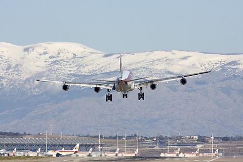 Iberia amplía su oferta internacional con cinco vuelos nuevos