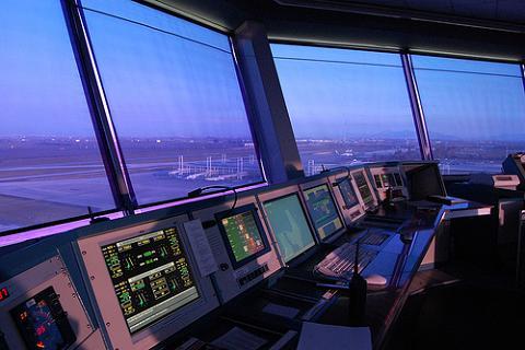 Bajas laborales masivas de controladores aéreos en Barcelona