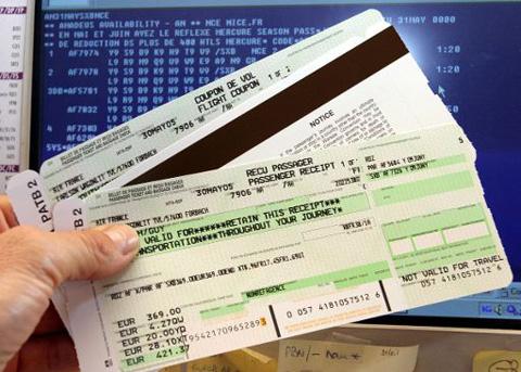 El Gobierno sube las tasas aéreas de los billetes de avión