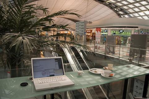 Consejos para evitar los virus en el portátil mientras viajas