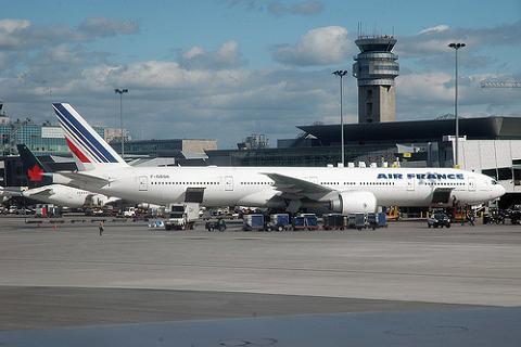 Hoy de nuevo un día complicado para volar a Europa por la huelga en Francia