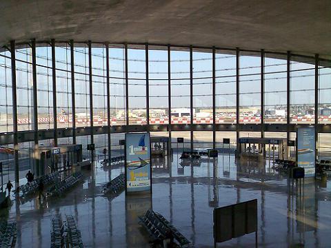 Guerra de precios entre las aerolíneas que unen Madrid y Valencia
