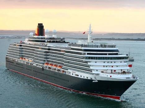 El Queen Elisabeth recala en Vigo en su travesía inaugural