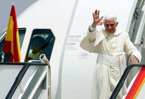 El Papa viajará con Iberia y será agasajado