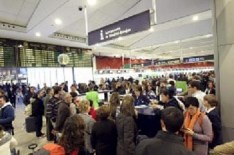 Iberia reembolsará el dinero a los clientes afectados por la huelga de los controladores