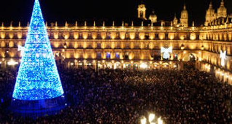 Salamanca celebra un año más las campanadas de gominola