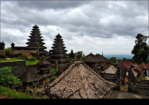 El volcán Bromo provoca la suspensión de vuelos a Bali
