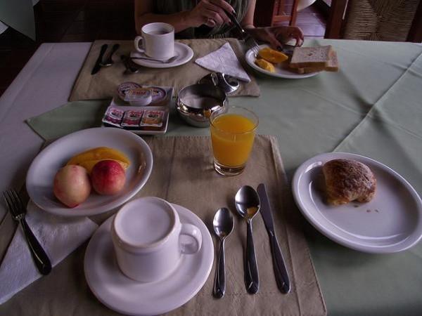 Los turistas españoles quieren wifi y desayuno