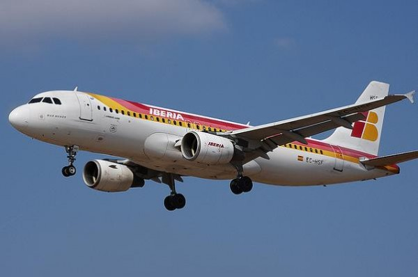Los pilotos vuelven a convocar huelga contra Iberia Express