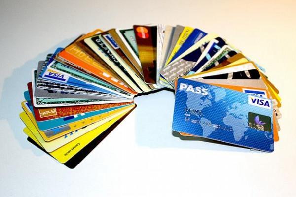 Iberia cobrará por pagar con tarjeta de crédito