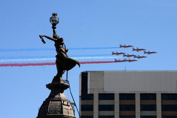 aviones sobrevolanco la ciudad