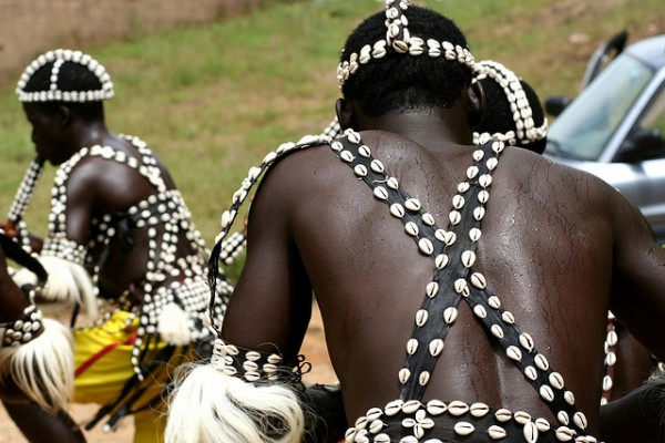 indigeneas pertenecientes a la tribu jarawa