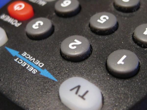 fotografia de un control remoto