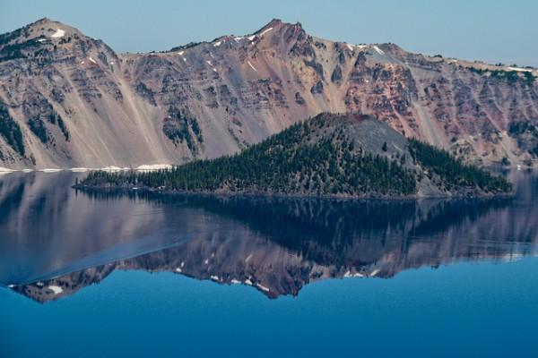 Crater Lake y sus aguas azules