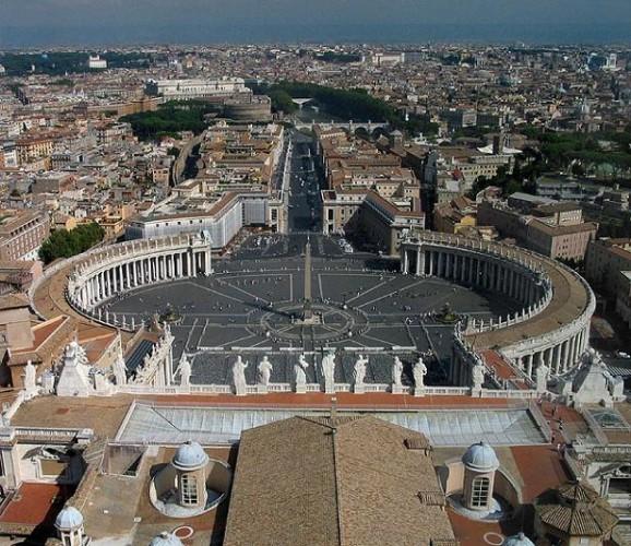 Al Vaticano hay que ir con efectivo