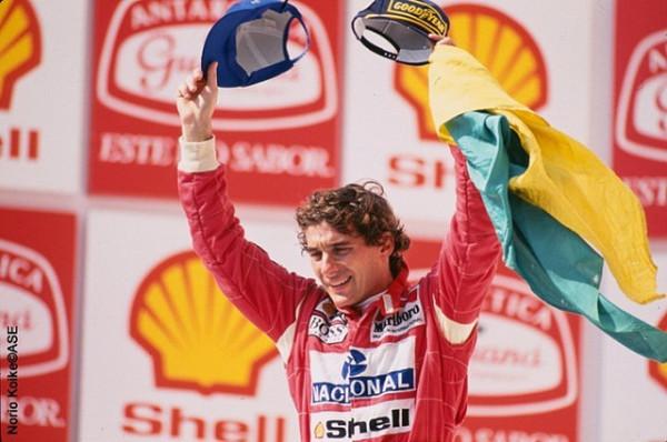 Un avión que recordará a Ayrton Senna